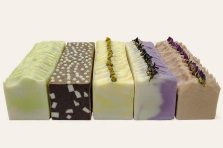 پنج عدد صابون طبیعی قالبی برش نخورده